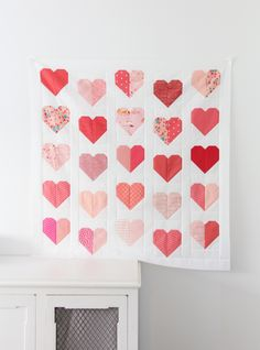 I've been meaning to update my first simple heart quilt tutorial for years, so this is just a fresh update! I also finally made a pretty printable pattern for Heart Blocks in multiple sizes you can Heart Quilt Pattern, Mini Quilt Patterns, Pattern Blocks, Simple Quilt Pattern, Quilting Patterns, Free Pattern Block Printables, Quilting Ideas, Felt Patterns, Tatting Patterns