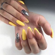 Almond Acrylic Nails, Summer Acrylic Nails, Best Acrylic Nails, Almond Nails, Classy Nails, Stylish Nails, Trendy Nails, Oval Nails, Gold Nails