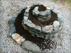How to build a herb spiral: urtespiral permakultur økologisk hage