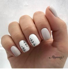 May 2020 - 11 Prettiest Nail Decoration Ideas So You Look More Amazing Do you have short nails? You can apply only one circle of nail polish. In such situations, the… Diy Nails, Cute Nails, Pretty Nails, Nail Nail, Pretty Short Nails, Gel Nail Polish, Glitter Nails, Best Acrylic Nails, Acrylic Nail Designs