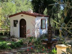 """There's also this Spanish-style shed: 19 Gorgeous """"She Sheds"""" That You'll Want To Retreat To ASAP Spanish Style Homes, Spanish House, Spanish Colonial, Spanish Revival, Spanish Backyard, Style Hacienda, Backyard Office, She Sheds, Gardens"""