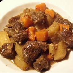 Slow Cooker Beef Stew Poutine Recipe, Slow Cooker Beef, Slow Cooker Recipes, Crockpot Recipes, Healthy Recipes, Pork Recipes, Tunisian Food, Food Network Canada, Gourmet