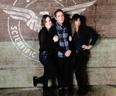 Elizabeth Simmons, Iain De Caestecker, Chloe Bennet    AOS Set    500px × 413px    #cast #bts