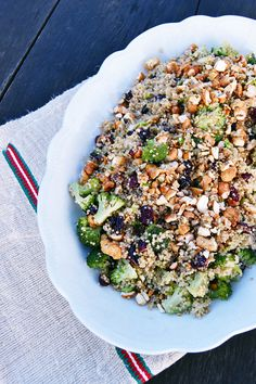 This quinoa salad is an absolute winner. Not only is it packed with healthy ingredients, it is also set to full you up and keep you satisfied during the day