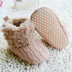 So cute baby's knit & fur booties, and only $8!! 6 colors to pick from, dashingbaby.com