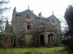 Favour Royal Manor