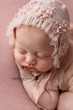 Pinkytinks specializes in unique handmade headbands, tiebacks, bonnets, floral crowns, props and more for photo sessions. Exclusively designed for newborn and maternity photographers. Handmade Baby Gifts, Handmade Headbands, Diy Headband, Handmade Rugs, Handmade Crafts, Diy Crafts, Newborn Girl Headbands, Newborn Baby Gifts, Baby Turban
