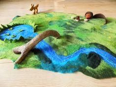 Bauernhof & Zoo - Filzlandschaft Spielteppich Gefilzte Landschaft - ein Designerstück von Woellfchen bei DaWanda