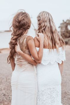 Boho Wedding Hair - Braids — the bohemian wedding Trending Hairstyles, Messy Hairstyles, Boho Wedding Hair, Bridal Hair, Four Strand Braids, Triangle Box Braids, Corte Y Color, To Infinity And Beyond, Mode Style