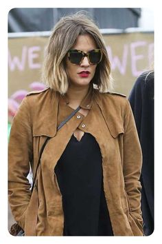 Bob haircuts are really versatile. Some bobs have always been in the fashion industry, but today we'll be talking about the hottest dull bob hairstyles for 2017 . Dull bobs, spiced up with a. Shaggy Bob Haircut, Cute Bob Haircuts, Line Bob Haircut, Blunt Haircut, Ombre Bob, Blunt Bob Hairstyles, 2015 Hairstyles, Short Hairstyles For Women, Short Hair Cuts