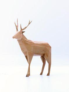 PolyWood Animals – Les sculptures en bois low poly de Mat Szulik (image)