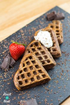 Slimming world waffles, slimming world cake, slimming world syn values, slimming world breakfast Slimming World Waffles, Slimming World Cake, Slimming World Breakfast, Low Calorie Recipes, Healthy Dinner Recipes, Healthy Snacks, Dessert Recipes, Healthy Eating, Savory Waffles