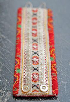 Ä I A Gart.: Textil Beautiful needlework on these bracelets