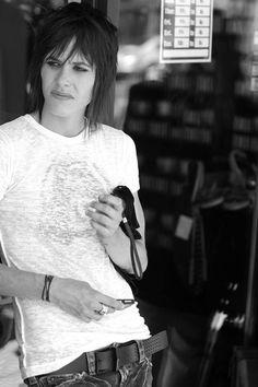 Katherine Moennig 💜 ♡ - shane the l word Katherine Moennig, Androgynous People, Androgynous Fashion, Tomboy Fashion, The L Word, Pretty People, Beautiful People, Shane Mccutcheon, Leisha Hailey