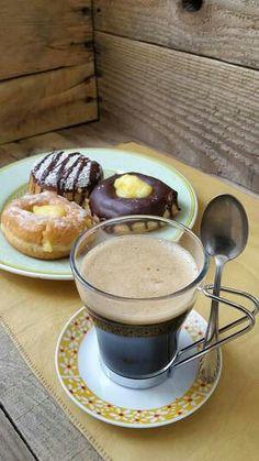 Coffee Vs Tea, Coffee Art, Coffee Break, Morning Coffee, Chocolate Cobbler, Chocolate Coffee, Chocolates, Coffee Dessert, Coffee Photography