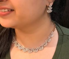 Saved by radha reddy garisa Dimond Necklace, Diamond Necklace Simple, Diy Jewelry Necklace, Necklace Designs, Indian Diamond Necklace, Craft Jewelry, Diamond Pendant Necklace, Diamond Jewellery, Metal Jewelry