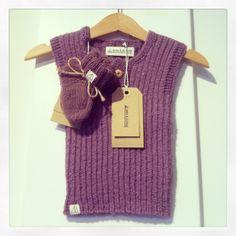 Asta & Alfred vest i morbær silke og babyalpaca uld og ragsokker i ren ny uld. Vest, Style, Stylus