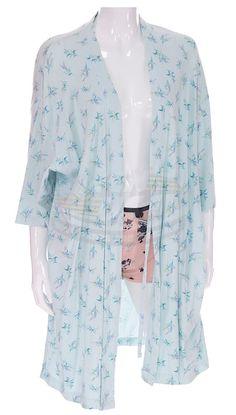 Idle Hands / Molly's Robe & Shorts (Jessica Alba)   ScreenUsed.com