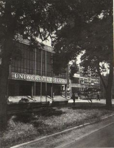 """Katowice w PRL - Uniwersytet Śląski - zdjęcie z albumu """"Katowice - Donieck"""" z 1981 / forum: http://www.skyscrapercity.com"""