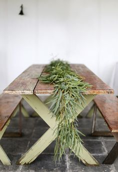 49 New Ideas For Diy Wedding Greenery Table Garland Wedding Table Garland, Wedding Table Centerpieces, Table Decorations, Wedding Decorations, Dyi Flowers, Flower Garlands, Diy Girlande, Greenery Garland, Green Table