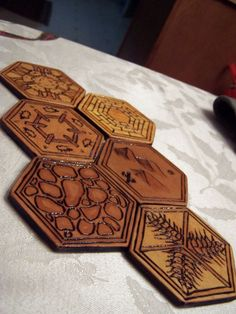 Wood Burned Settlers of Catan Board: 5 Steps (with Pictures)