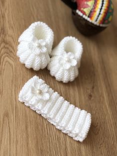 # crochet baby patterns shower gifts Newborn Babygirl Hand Knitted Slippers and Headband,Booties ,Baby Slippers ,Baby Headband,Baby shower gift Baby Booties Knitting Pattern, Baby Boy Knitting, Booties Crochet, Crochet Baby Shoes, Crochet Baby Booties, Baby Knitting Patterns, Hand Knitting, Knitted Headband, Baby Bootees