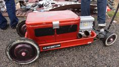 Wagon with a cooler, hot rod style (Not really a Tot Rod, but a cool lookin' wagon) Custom Radio Flyer Wagon, Radio Flyer Wagons, Kids Wagon, Toy Wagon, Power Wheels, Power Cars, Pull Wagon, Little Red Wagon, Kids Ride On
