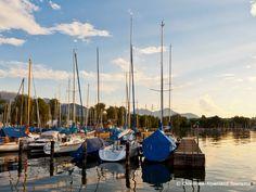 Typisch für den Chiemsee sind die vielen Segelboote :-)    Tipical for the Chiemsee are a lot of sailing boats..