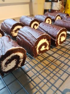 Cupcakes, Mini Pies, Pie Cake, High Tea, Cheesecakes, Tiramisu, Cake Recipes, Biscuits, Sweets