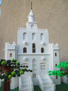 Build In Holy Places- Lego temples  YESSSSS. :D And it's even the St. George temple ^-^