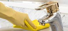 Δείτε πώς θα καθαρίσετε και θα απολυμάνετε τέλεια τα 11 πιο δύσκολα σημεία του μπάνιου! Cleaners Homemade, Can Opener, Clean House, Cleaning Hacks, Household, Sweet Home, Clean Clean, Happy, Crafts