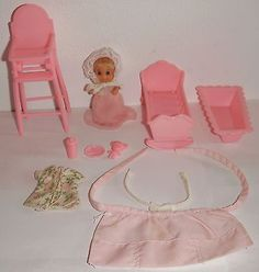 Vintage Barbie 1973 1974 Baby Sitting Cradle Highchair Bathtub Bear Bottle Dish