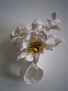 Shinji Nakaba - Stucco ring, 2006 - PET water bottle, Silicon, 24K Gold