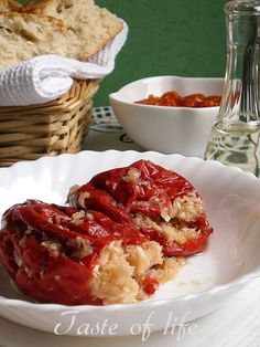 Taste of life: Suve paprike punjene kupusom