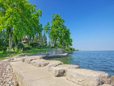 Beautifully Landscaped Waterfront Property | 103 Colonial Court, Burlington