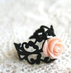 Black Gothic Peach Rose Ring