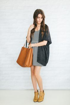 Unfancy Fall Capsule Wardrobe 2014 - print mixing: my fav recipe Simple Outfits, Fall Outfits, Casual Outfits, Cute Outfits, Look Blazer, Fall Capsule Wardrobe, Dress With Boots, Minimalist Fashion, Autumn Winter Fashion