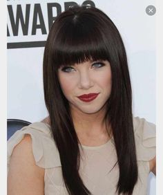 Are you a big fan of blunt bangs? Check out these celebrity hairstyles with attitude today. Lulu Hairstyles, 2015 Hairstyles, Celebrity Hairstyles, Straight Hairstyles, Cool Hairstyles, Long Brown Hair, Dark Hair, Blunt Bangs, Blunt Fringe