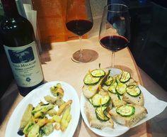 I swear! This is the last glass!  Rosso Conero by Villa Malacari winery @vininorden  #vegetables #fried #zucchini #bread #Italian #style #wine #oil #rossoconero #conero #marche #fb #pin #tw #malacari #finewine # wine #rdewine #winetime #winegeek #wineporn #rødvin #godvin #grøntsager #stegte #brød #italiensk #stil #vin #olie
