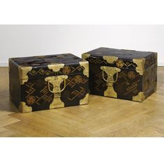 A PAIR OF JAPANESE LACQUER HASAMIBAKOS (TRAVELLING CHESTS)  EDO PERIOD, 19TH CENTURY
