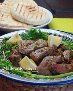 Un plat délicieux ! Du foie de veau ou d'agneau, quelques épices et l' oignon. Il est simple mais savoureux. Ce plat est aussi appelé : kebda mchermla , la recette est très facile à faire et ne devrait pas prendre beaucoup de temps à préparer. Ingrédients...