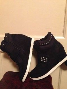Steve Madden Wedge Sneakers Size 6