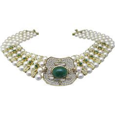 Preowned Vintage Pearl Emerald And Diamond Necklace ($34,000) ❤ liked on Polyvore featuring jewelry, necklaces, green, cabochon necklace, diamond necklace, vintage pearl necklace, green diamond necklace and pearl jewellery