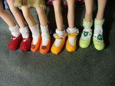 DIY flat SHOES for Bratz turn Bratz heels into by NavyBlueNavel