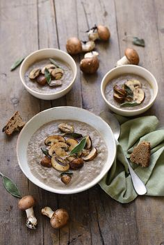 Cream of Mushroom Soup Soup Recipe A Sun Lunch Healthy Soup Recipes, Healthy Eating Tips, Clean Eating Snacks, Gourmet Recipes, Gazpacho, Vegetarian Soup, Vegetarian Recipes, Creamed Mushrooms, Stuffed Mushrooms