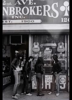 window shopping for guitars with the ramones