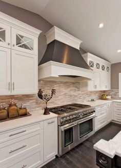 Awesome 56 Awesome Farmhouse Style Kitchen Cabinet Design Ideas. More at https://homedecorizz.com/2018/02/17/56-awesome-farmhouse-style-kitchen-cabinet-design-ideas/