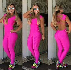 Girl Photo Poses, Girl Photos, Looks Academia, Spandex Pants, Complete Outfits, Hottest Models, Fitness Motivation, Woman Dresses, Gym Stuff