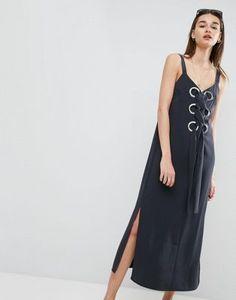 Vestido largo con detalle de ojales de ASOS