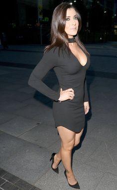 Beautiful Old Woman, Beautiful Legs, Gorgeous Women, Sexy Older Women, Sexy Women, Kym Marsh, Sexy Legs And Heels, Great Legs, Hot Brunette